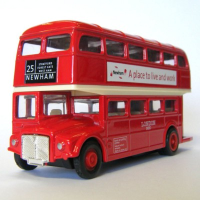LONDON DOUBLE DECKER ROUTEMASTER BUS MODEL in Red