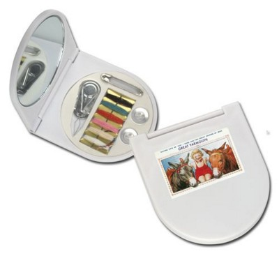 SEWING KIT in White