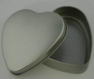 HEART SHAPE TIN with Lid in Matt Silver